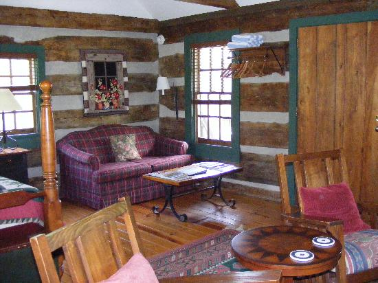 Fort Lewis Lodge: Sitting area