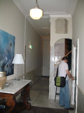 Hotel Orlando: Entryway