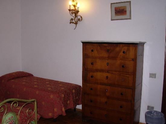 Hotel Villa Belvedere: La stanza - arredamento