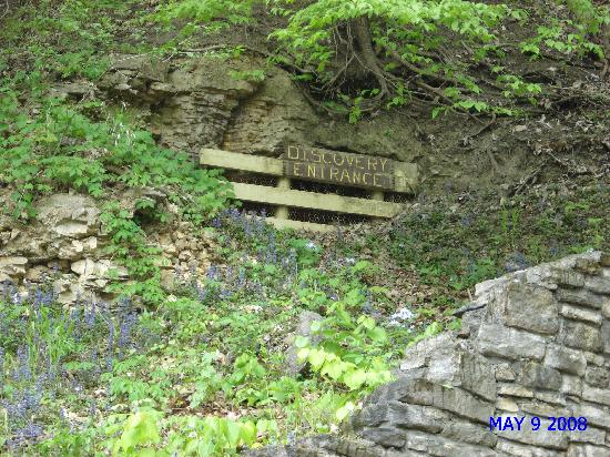 Mark Twain Cave and Cameron Cave: Original entrace to cave