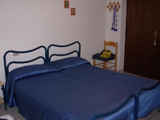 Agriturismo Santa Lucia : La stanza - il letto