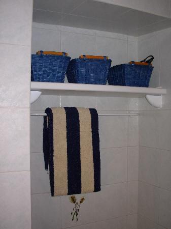 Extra Bed and Breakfast: Particolare del bagno