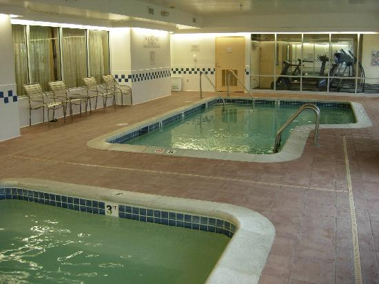 Indoor Pool And Hot Tub Picture Of Springhill Suites St Louis Chesterfield Chesterfield