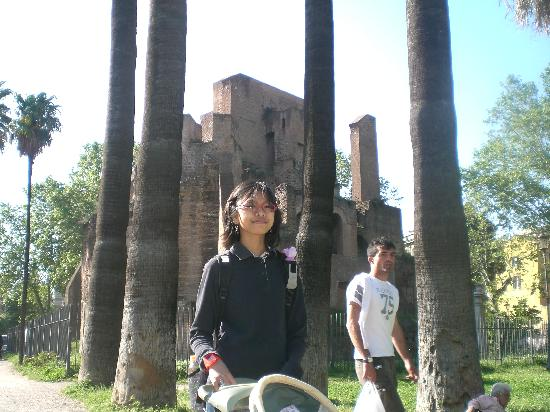 Piazza Vittorio Emanuele II: the ruin in the background