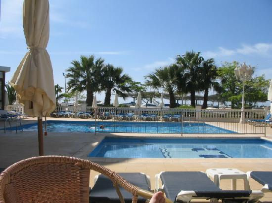 Hotel Tres Torres : pool view