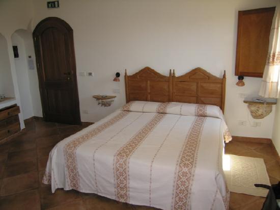 Hotel Arathena: Bedroom