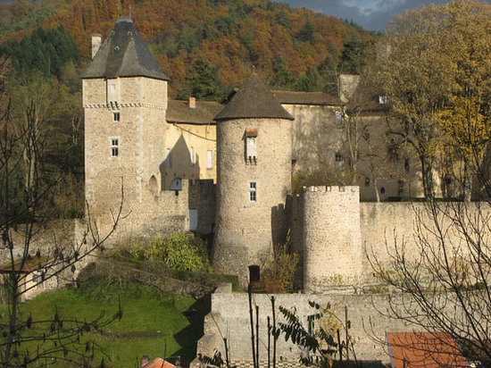 Auvergne, France: Chateau in Chateldon