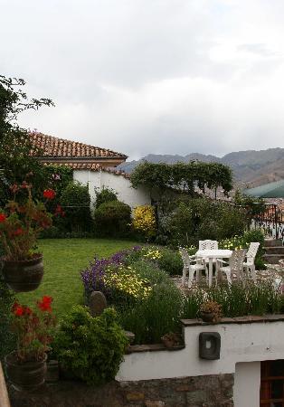 B&B-Hotel Pension Alemana: Garden at Pension Alemana