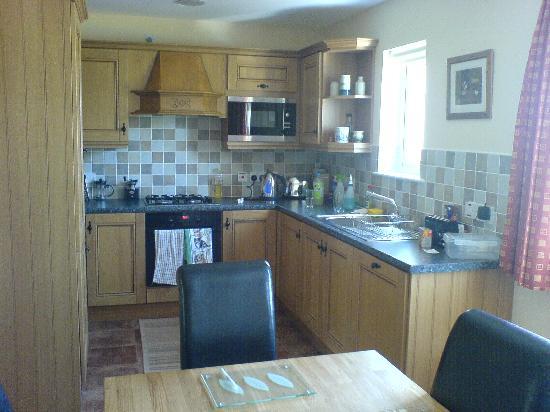 Tory Bush Cottages: kitchen