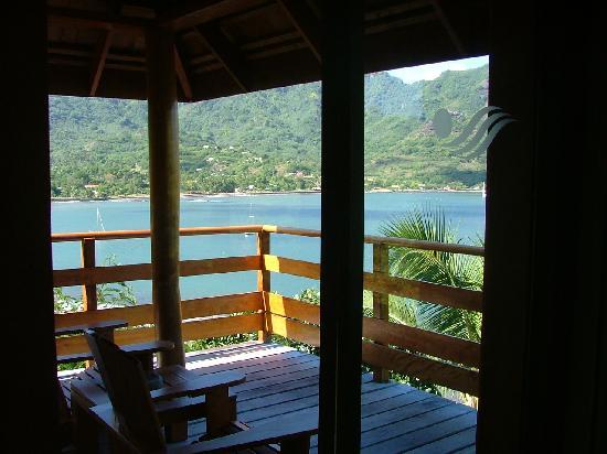 Keikahanui Nuku Hiva Pearl Lodge : vue depuis le bungalow