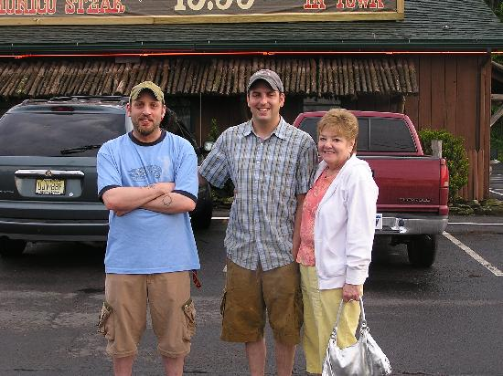 Kountry Living Bed and Breakfast : Jon, Chris, and my wife Susan