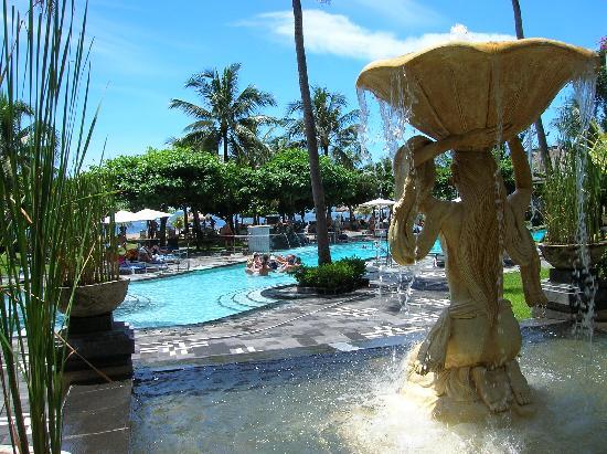 Club Bali Mirage: Actividades en la piscina