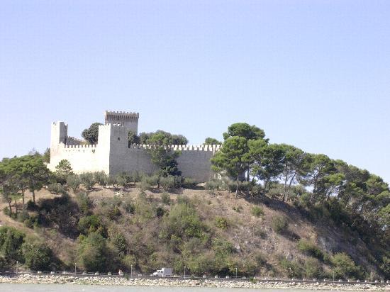 Hotel Trasimeno : Castello di Castiglione del Lago (Pg)
