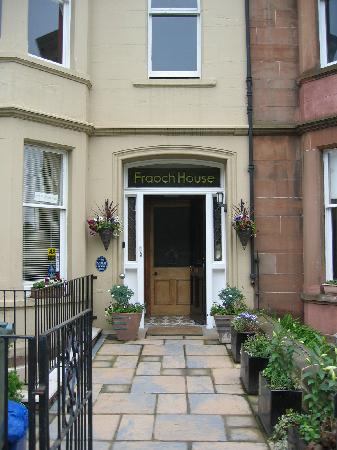 Fraoch House: The entrance