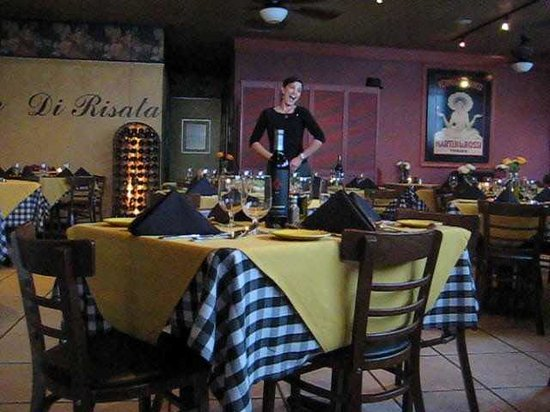 Indian Wells, Kalifornia: One of our servers singing