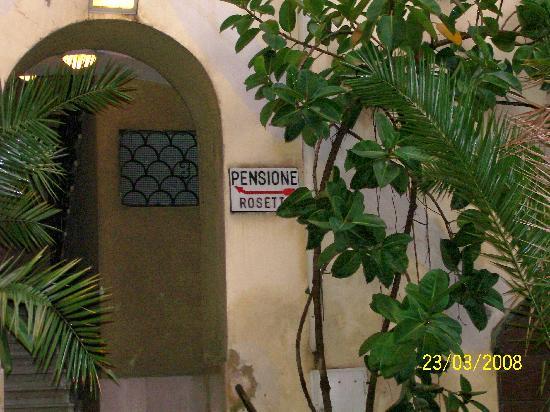 Hotel Rosetta: cortile hotel