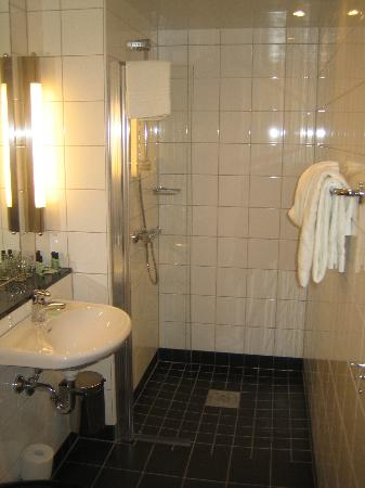 BEST WESTERN PLUS Time Hotel: Bathroom