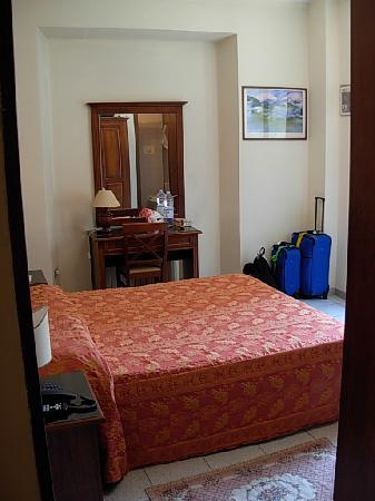 Hotel Pavone: Our room..