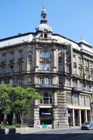 Leo Panzio Hotel