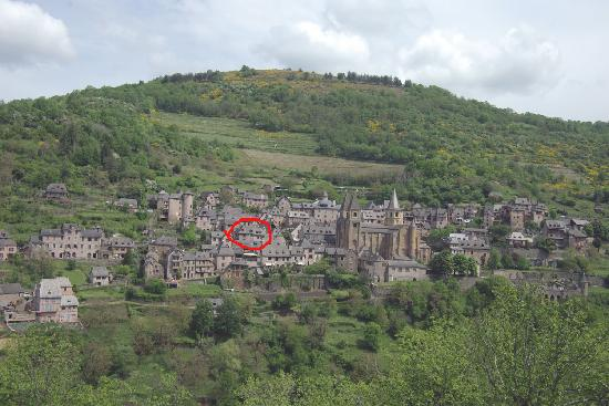 Conques, Frankrig: El hotel marcado en rojo