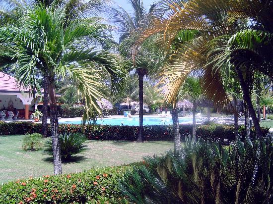 Hotel El Colibri: Enjoy the huge garden