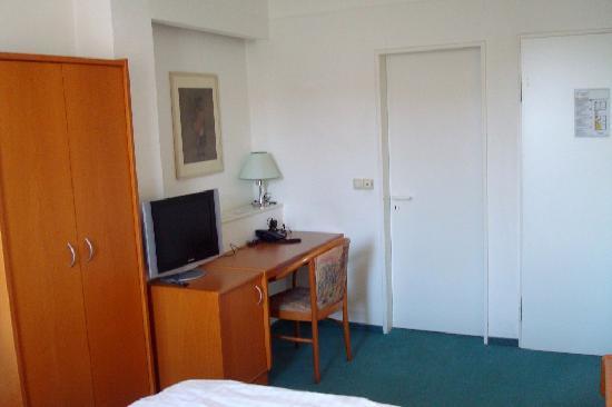 Hotel Francais: Desk