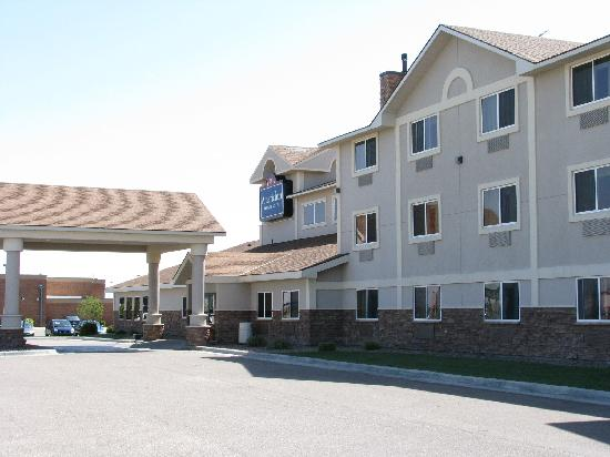 AmericInn Lodge & Suites Garden City: Looks the part - very smart