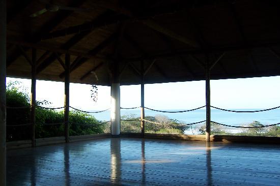 Horizon Ocean View Hotel and Yoga Center: Yoga Studio