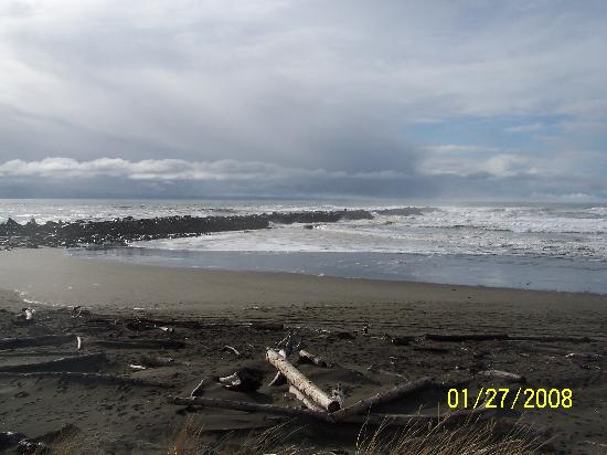 Ocean Shores, WA: North Jetty and beach