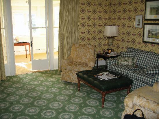 marvelous old fashioned living room | suite sun room - Picture of The Omni Homestead Resort, Hot ...