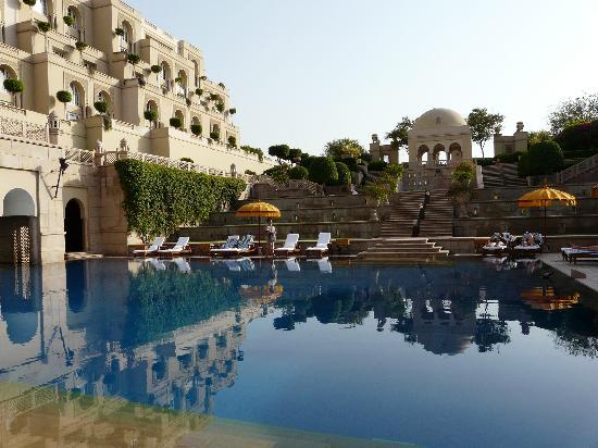 The Oberoi Amarvilas: pool