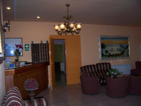 Hotel Celo Garden: Rezeption - klein aber nett...