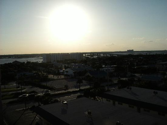 Tropical Suites Daytona Beach: second view