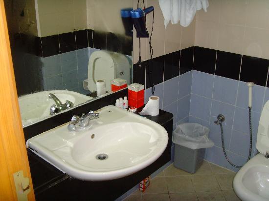 San Marco Hotel: bathroom