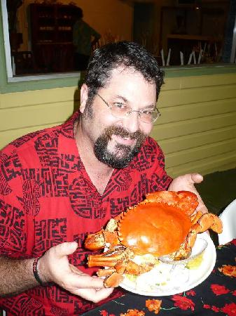 Kavieng Hotel: A happy diner about to enjoy a delicious mud crab.