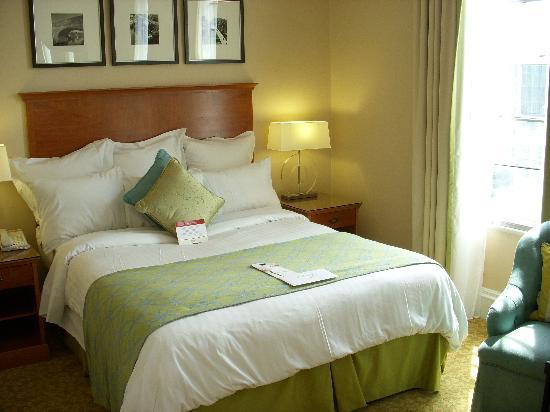 Birmingham Marriott Hotel: Marriot bedroom