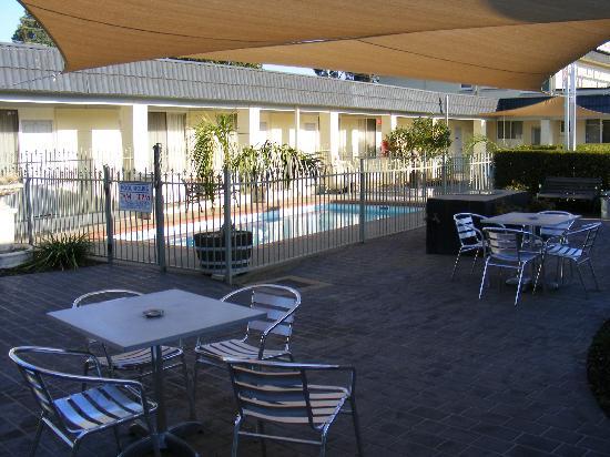 Ryley Motor Inn: Courtyard Area