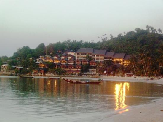 Haad Yao Bayview Resort & Spa: Resort from the beach