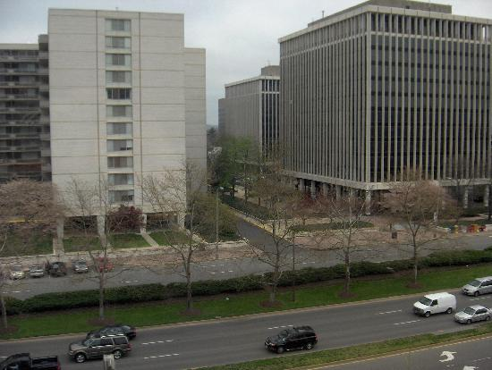 View From The Room Picture Of Hilton Garden Inn Reagan National Airport Hotel Arlington