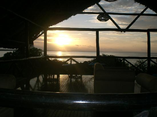 Bagamoyo, Τανζανία: Having a beer on the sunset deck