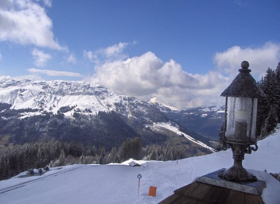 Kitzbühel, Oostenrijk: View from a cafe on the slopes