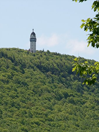 Talcott Mountain State Park: Hublein Tower
