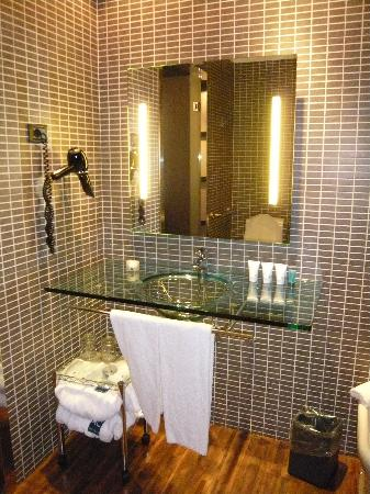 AC Hotel Firenze by Marriott: bathroom