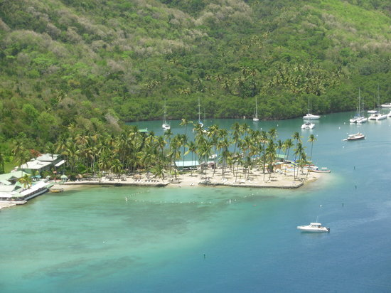 Marigot Bay, Saint Lucia: The beach