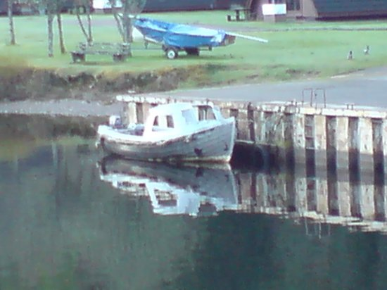 Fort Augustus, UK: All Aboard !!  Watch out for sharks