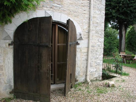 Le Clos des Saunieres : Our room with hefty
