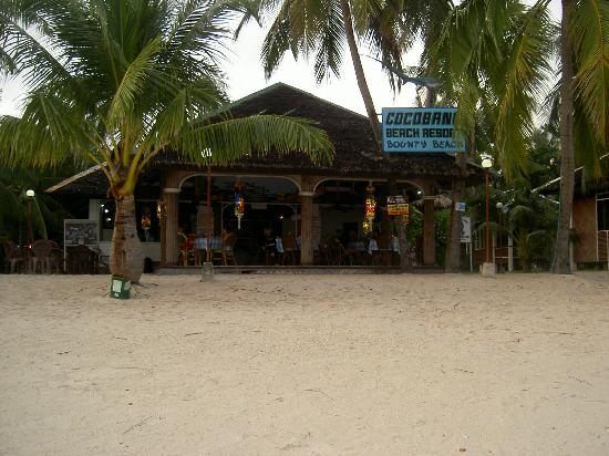 Cocobana Beach Resort: The beach bar & restaurant