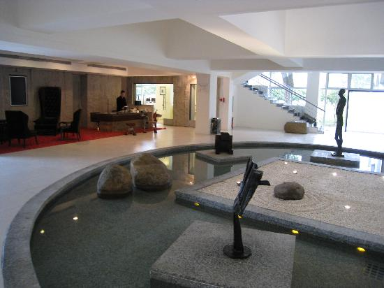 Club Med Guilin: Hotel Lobby Relais&Chateaux
