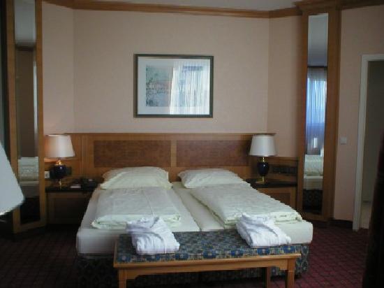 The Monarch Hotel: Schlafzimmer Suite