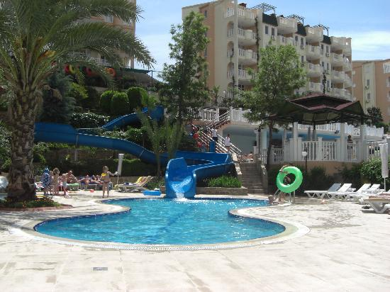 Club Paradiso Resort: One of the family pools